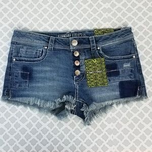NWT ALMOST FAMOUS Frayed Hem Jean Shorts Juniors 7